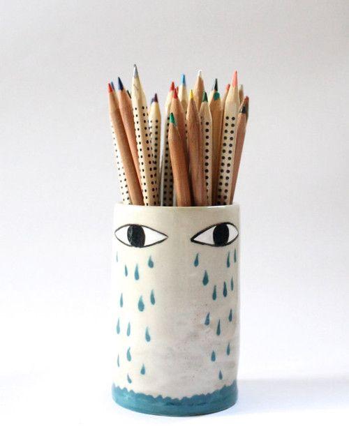 Lluvia- ceramic pencil holder