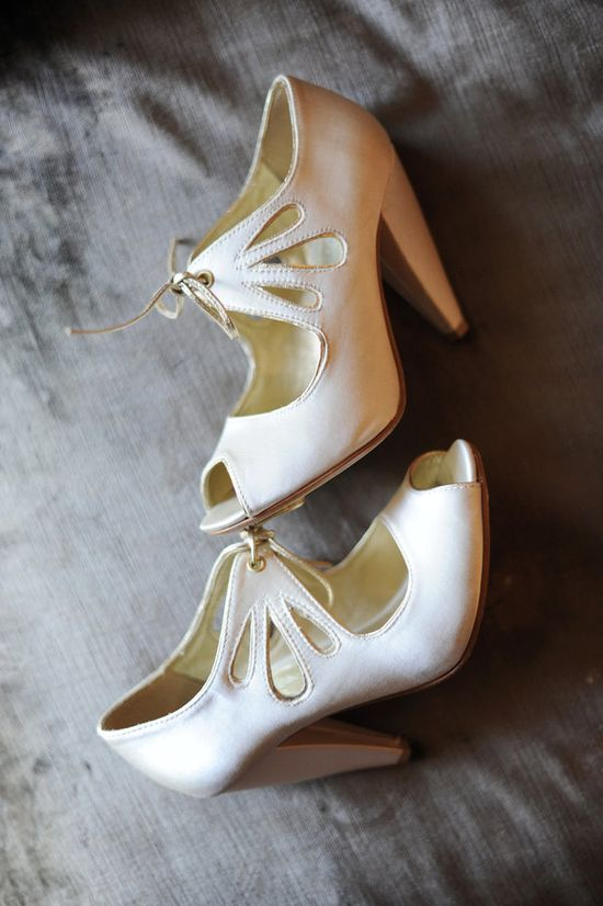 Love these vintage shoes. For my something old?