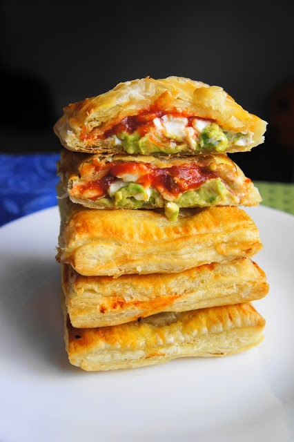 Avocado, Cream Cheese, and Salsa Pockets- add chicken! This looks so yummy!