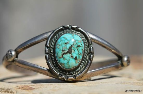 Vintage Navajo Style Sterling Silver & Turquoise Cuff Bracelet