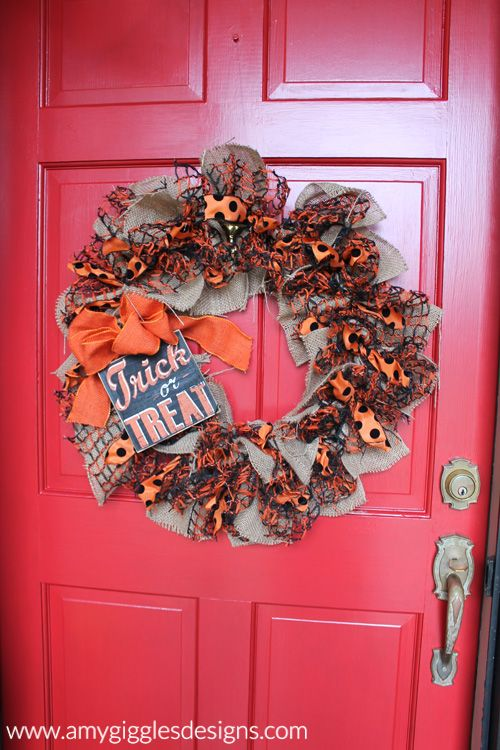 Do it yourself Halloween wreath