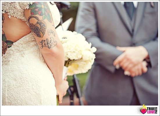 cool tattoo wedding photo. truelovephoto.com