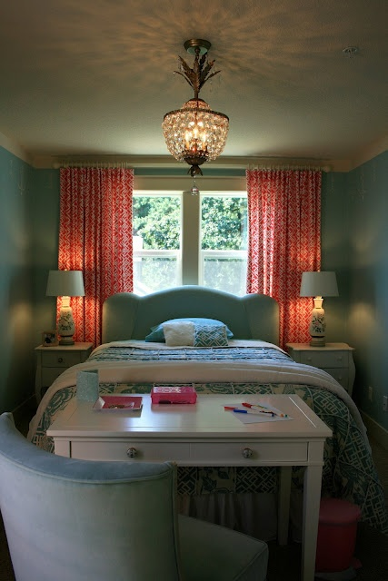 Love these color for a bedroom.