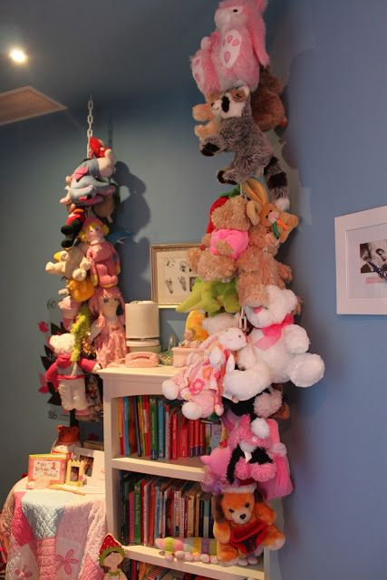 How to organize stuffed animals!