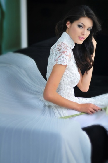 Ao Dai wedding dress. it's like the fusion of a traditional ao dai and a modern wedding dress