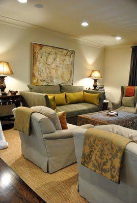 furniture arrangement and sofa color