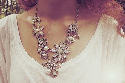 i do love my flowered jewelry