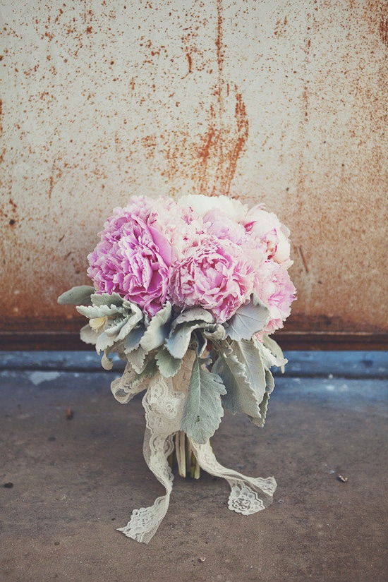 a romantic peony bouquet  Photography by closertolovephoto..., Floral Design by THELITTLEBRANCH.COM