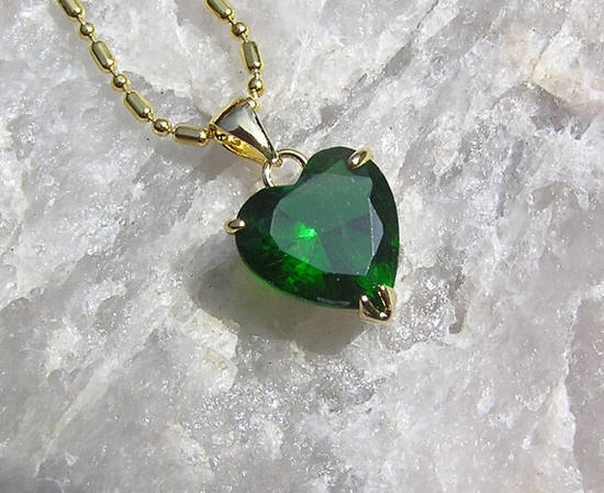 Green Emerald Solitaire Heart Pendant  Vintage by SunnyCrystals, £8.25