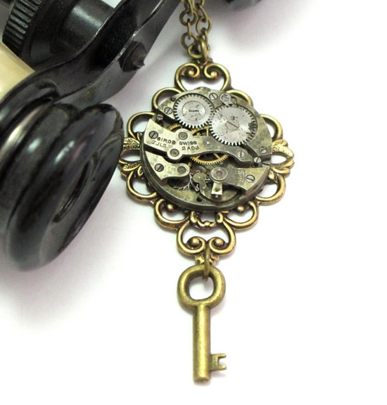 Filigree key necklace by Mystic Pieces #steampunk #jewelry #mysticpieces