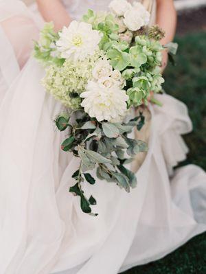 Mid Century Elegant Wedding Ideas via oncewed.com