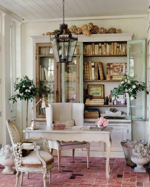 Beautiful feminine office space. I'm ready to work in here...or look at Pinterest...