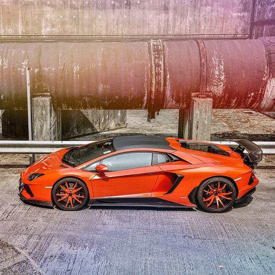 Lamborghini Aventador Molto Veloce