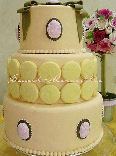 Pretty yellow wedding cake.