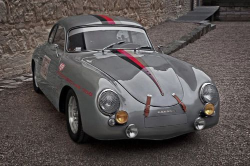 Porsche 365 with pin stripe details