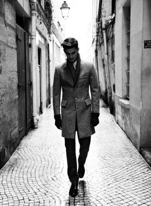 Winter coat, street DIOR HOMME VINTAGE FINE ART BY: ALEXANDER V WESLEY