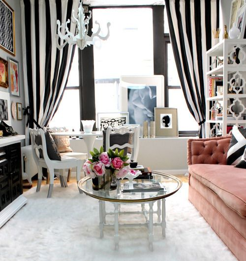 Black and white living room - vertical stripes make the ceiling look higher. #livingroom #decor #black and white #small space