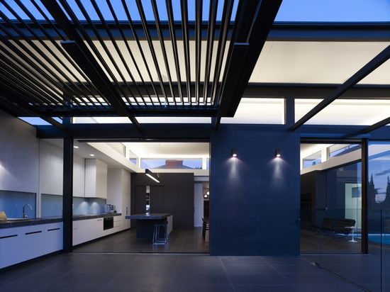 Power Street / Steve Domoney Architecture