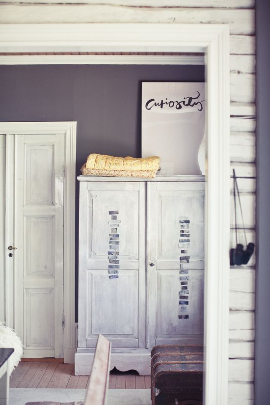 Rue Magazine (June 2012 Issue).  Photography by Woodnote Photography.   Interior Design by Ylva Skarp.