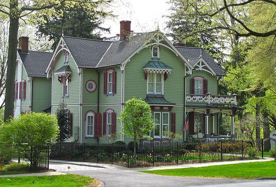1826 Victorian farmhouse in Connecticut