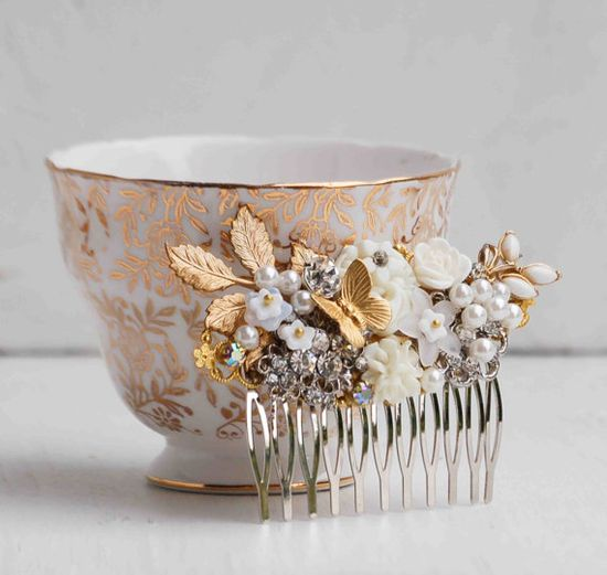 WHITE & Gold Vintage Jewel HAIR COMB