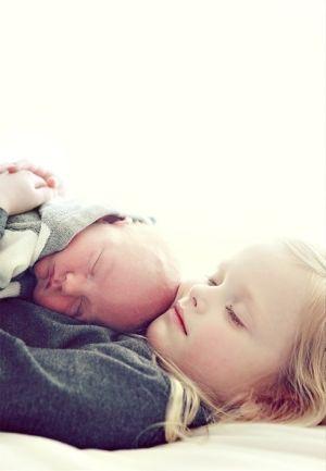newborn w sibling by ericka