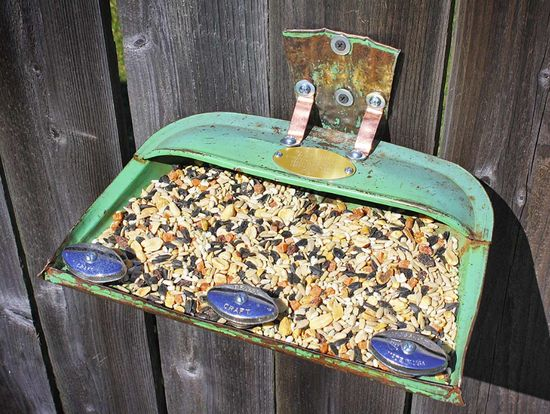 Up-cycled dustpan bird feeder