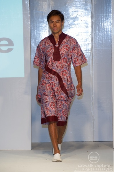 Kemunto collection at Africa Fashion Week London 2012. Photo by Simon Klyne. www.catwalk-captu...