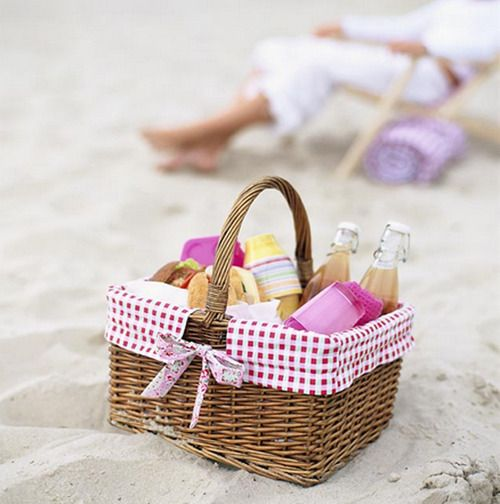 picnic basket for the beach