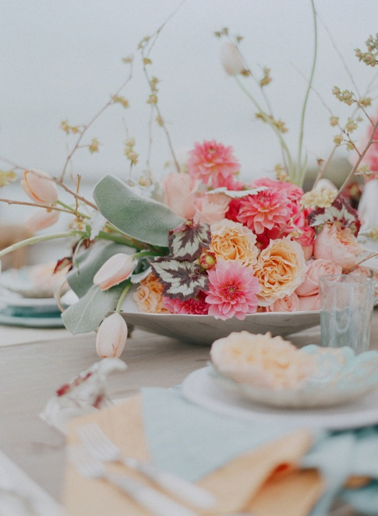 love this floral centerpiece