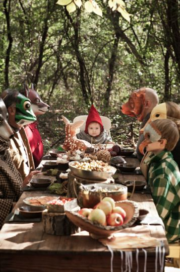 woodland picnic reminds me of @Jess Gatlyn