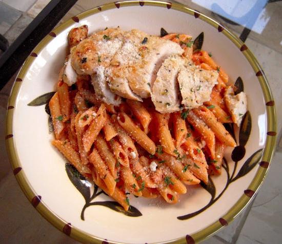 Grilled chicken & pasta with tomato cream sauce