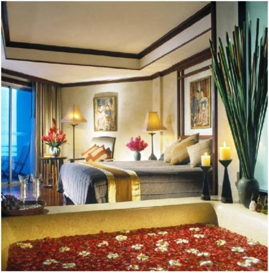 Tropical Oasis in the Heart of Action, at Pattaya Marriott Resort & Spa www.reispot.nl