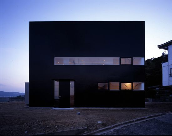 Suppose Design Office . house in Otake