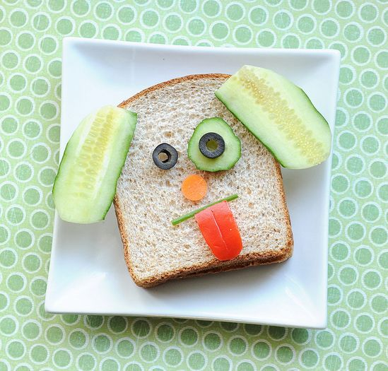 A Dog-inspired lunch for kids. Cute!