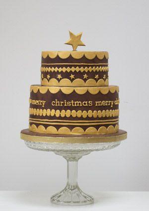 golden christmas chocolate cake