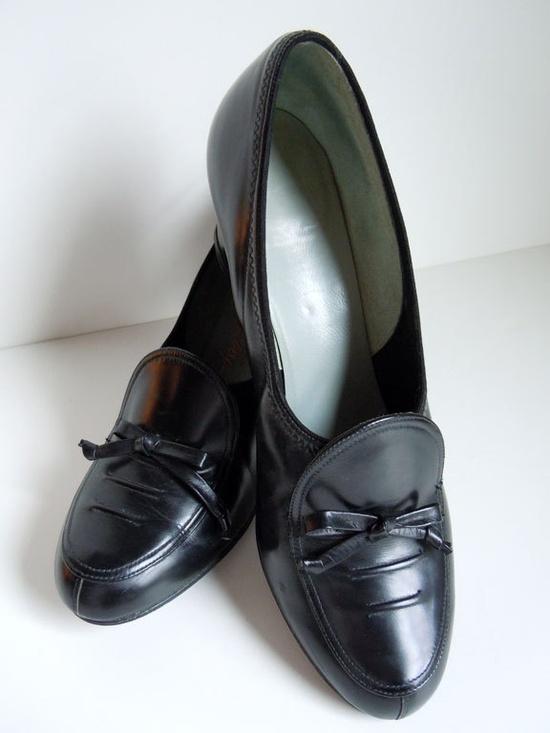 Vintage 1940s black leather shoes