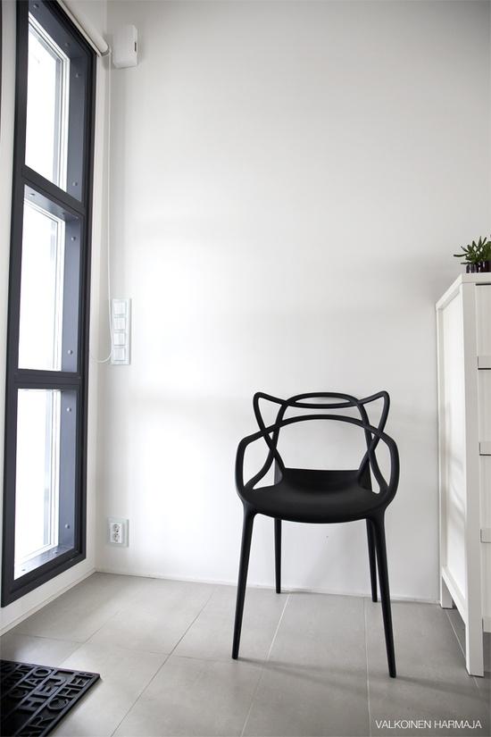 Valkoinen Harmaja/Masters chair
