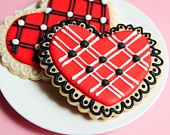 black and red heart cookies