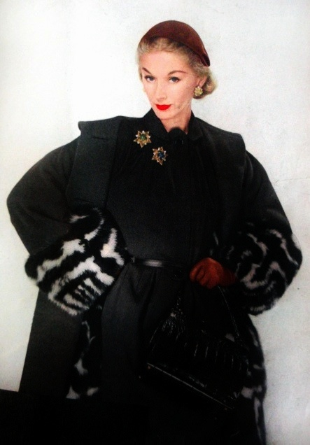 So many chic, glamorous details. #coat #dress #1950s #fashion #vintage