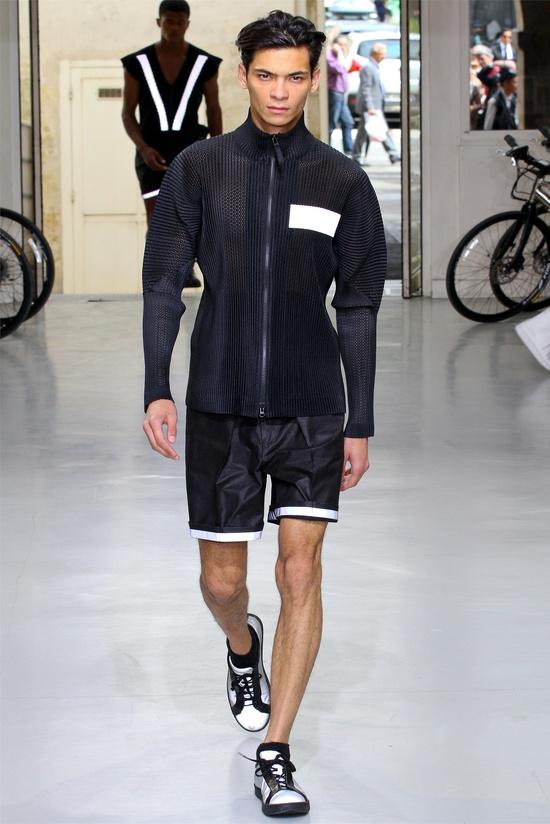 Issey Miyake - Men Fashion Spring Summer 2013 - Shows - Vogue.it