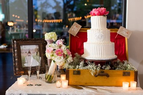 Vintage wedding cake display // Tara Welch Photography