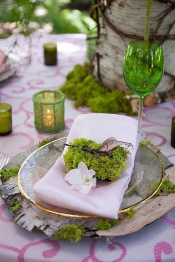 Omg!!!!!!! perfect wedding decor!!! Garden party table decor #wedding #inspiration #details #decor #garden #tablescape #tablesetting #placesetting