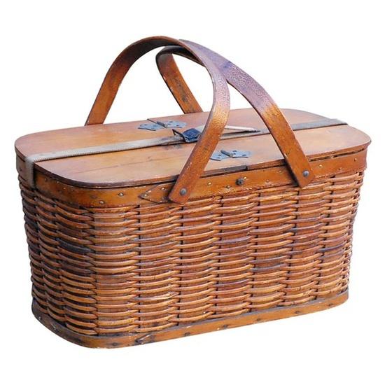 Hawkeye picnic baskets