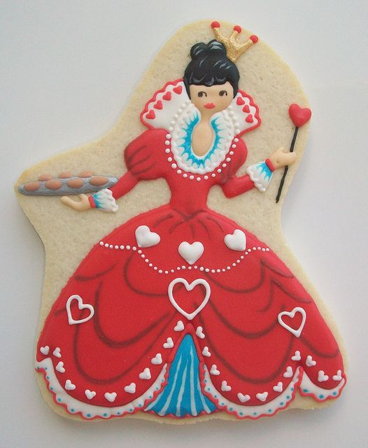 """The Cookie Queen"", an immensely pretty, decorated cookie that calls to mind everything from playing cards to Alice in Wonderland. #cookies #food #decorated #queen #Valentines #Day #queen #hearts #cards #beautiful #creative #dessert"