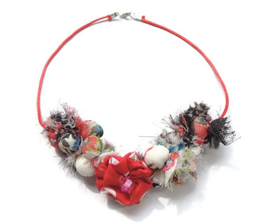 ON SALE Colorful beaded Fabric Necklace by AmazoniaAccessories, €25.50 #fabric #jewelry #necklace #beaded #red #floral #flower #black #summer #colorful #handmade #textile