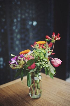 organic wildflower bouquet from Georgeous.com.au // photo by SergioMottola.com