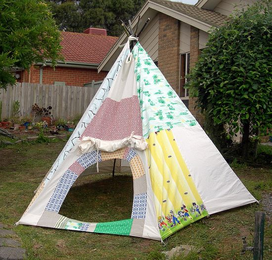 Love this patchwork teepee. If I could only figure out how to make one!
