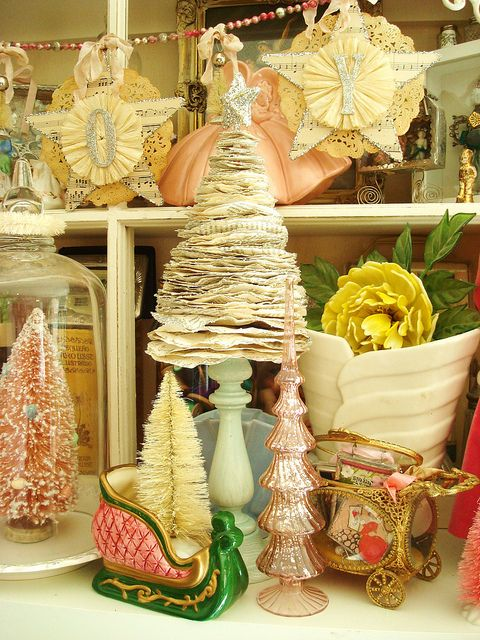 Primitive Christmas - I would love to make this christmas tree...