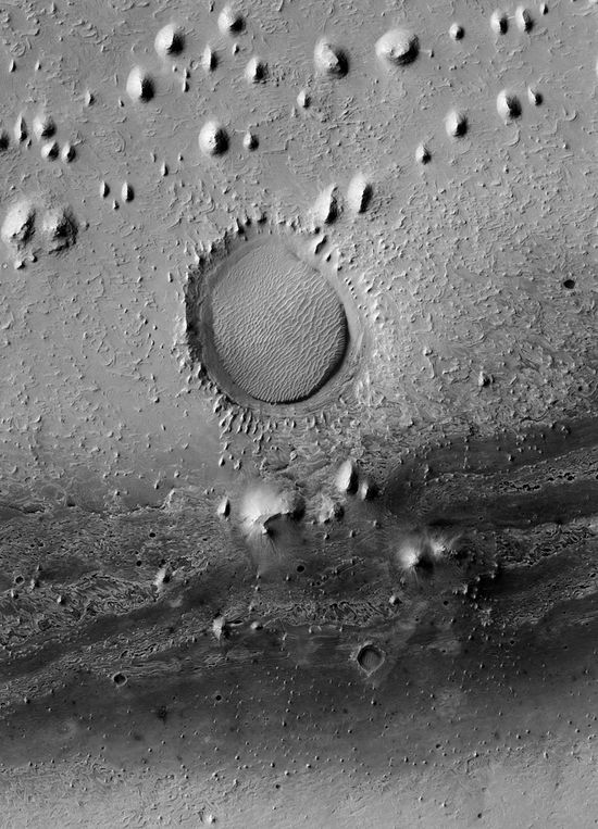 Gemina Lingula, Mars, impact crater, © NASA/JPL/The University of Arizona/Éditions Xavier Barral
